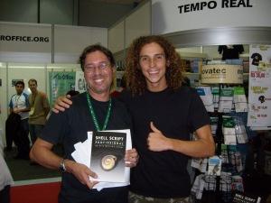 Aurélio Marinho Jargas lançando o seu livro de Shell