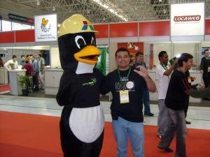 Vagner e o Mascote do LatinoWare